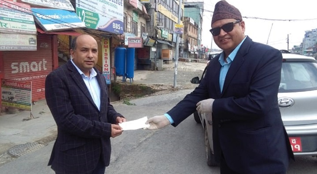 हेल्प नेपालद्वारा चिकित्सक संघलाई पाँच लाख सहयोग