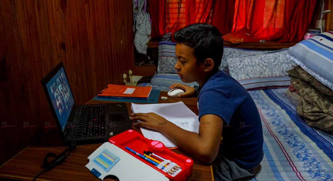 कोरोनामा विद्यालय : संस्थागतमा पढाइ, सामुदायिकमा पर्खाइ