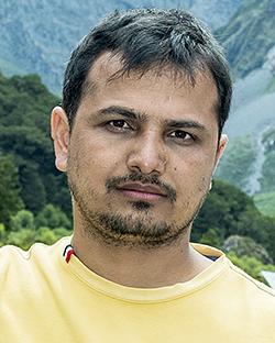 विदेशमा रहेका नेपाली, खान्छन् सँधै गाली