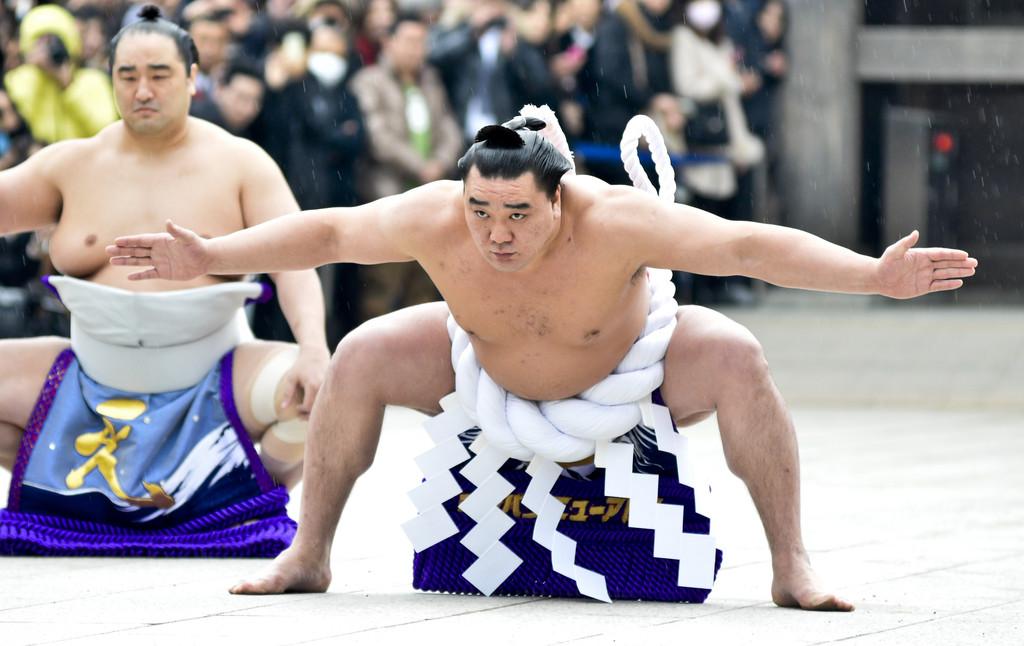जापानी सुमो रेस्लरको भित्रि कथा : न पारिश्रमिक न प्रेमिका