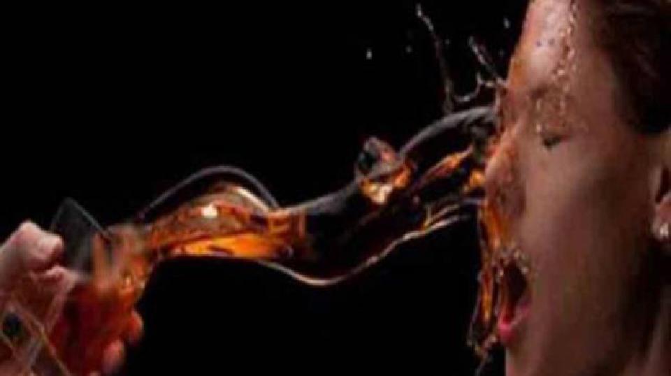 काठमाडौंकोकालोपुलमा एक युवतीमाथि एसिड प्रहार