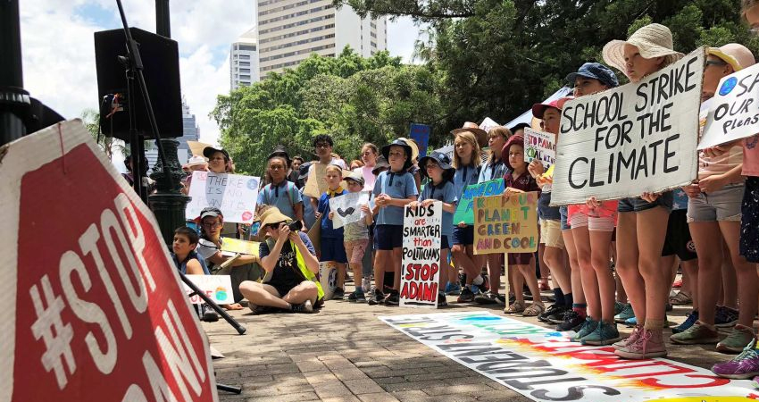 अष्ट्रेलियामा हजारौ विद्यार्थीद्वारा विद्यालय बाहिर प्रदर्शन