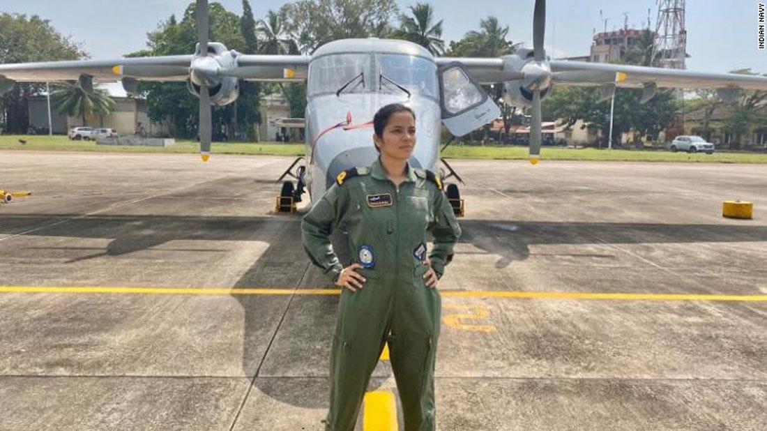भारतीय जलसेनामा पहिलो महिला पाइलट