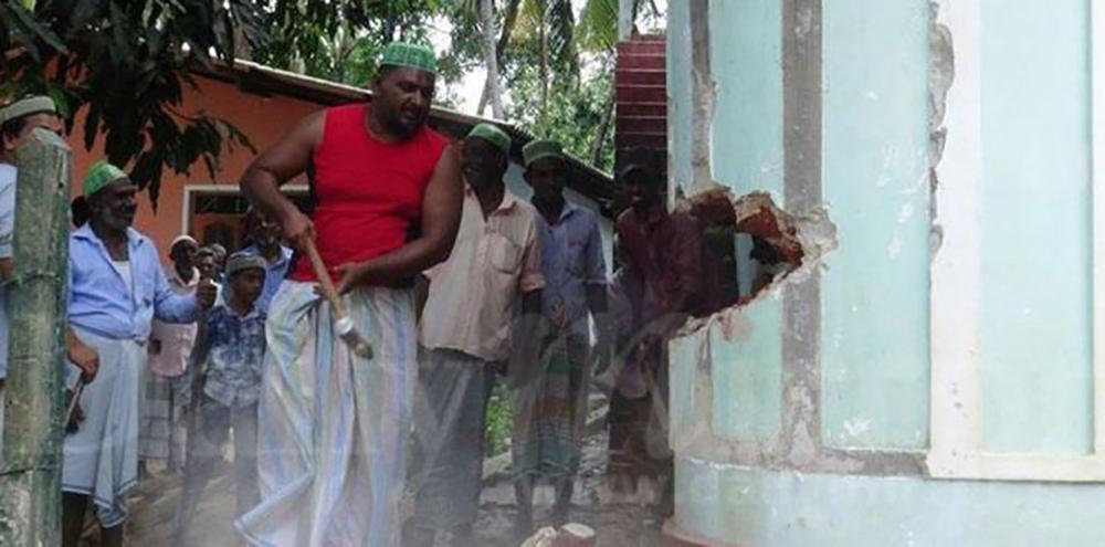 श्रीलंकामा मुसलमानले नै भत्काए मश्जिद