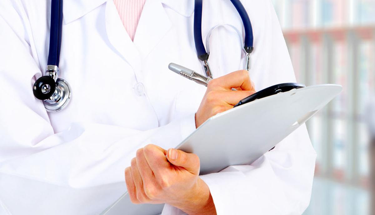 सरकारी अस्पताल सरह सुविधा पाउनुपर्ने माग राख्दै दुई नर्स आमरण अनसनमा