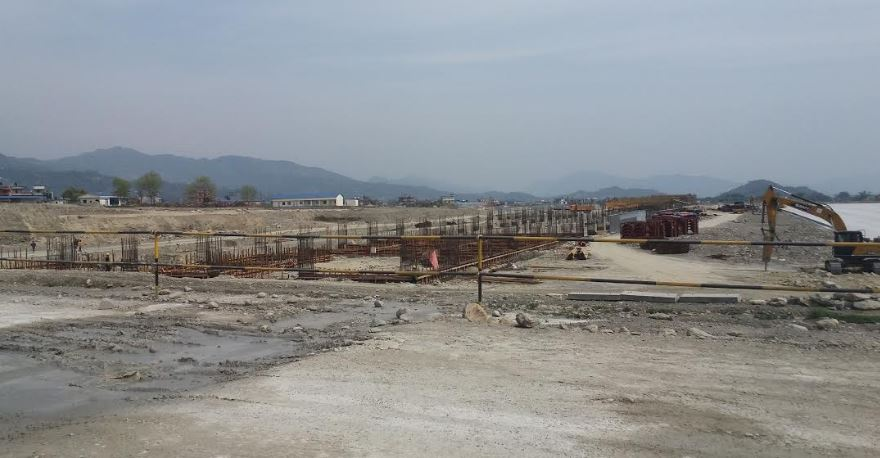 डाइभर्सन बगाउँदा पोखरा अन्तर्राष्ट्रिय विमानस्थलको निर्माण कार्य प्रभावित
