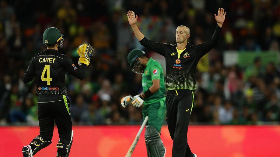 अस्ट्रेलियाविरुद्ध तेस्रो टी-ट्वान्टी खेल्दै पाकिस्तान