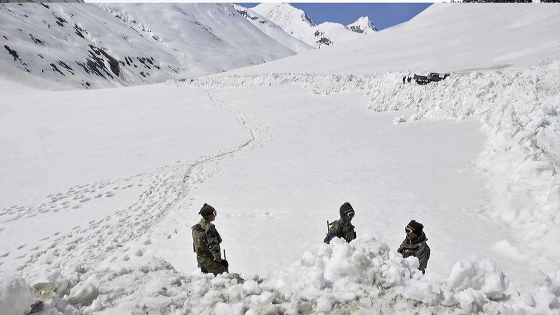 उत्तरी काश्मीरमा हिम पहिरोमा परी तीन जवानको मृत्यु