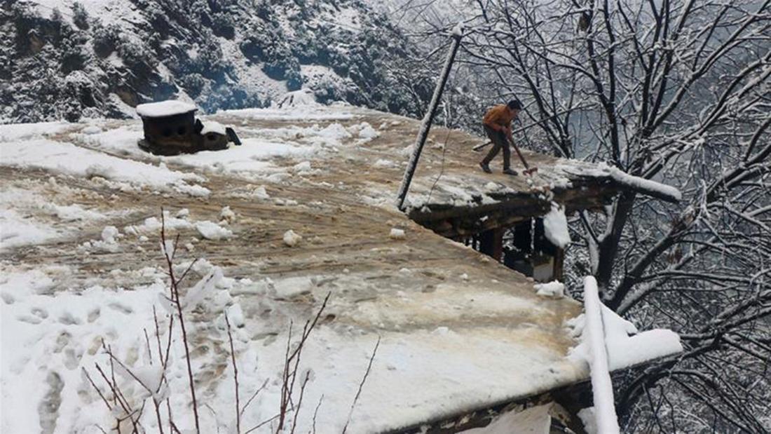काश्मीरको हिम पहिरोमा ५५ पाकिस्तानीको मृत्यु