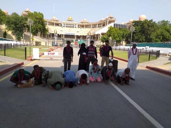 भारतबाट १९ पाकिस्तानी बन्दी रिहा