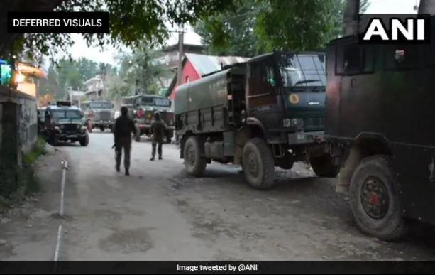 भारतको पुलवामामा फेरि भीडन्त